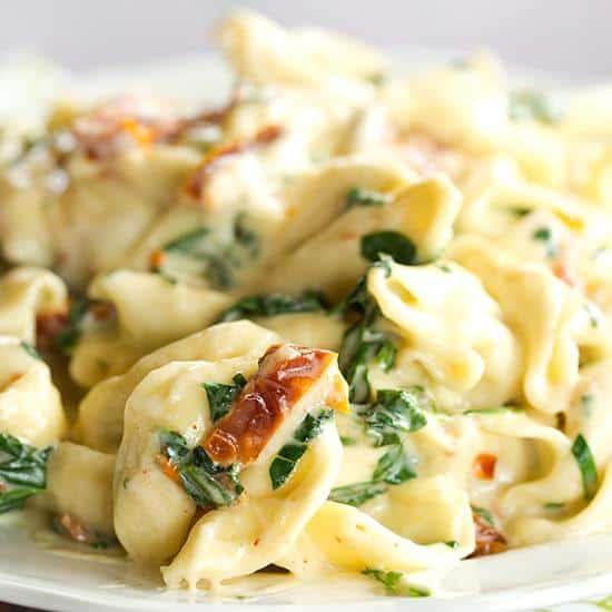 tortellini-spinach-cream-sauce-9-550